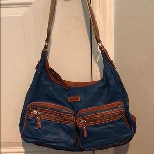 100% Authentic Dooney&Bourke shoulder bag.